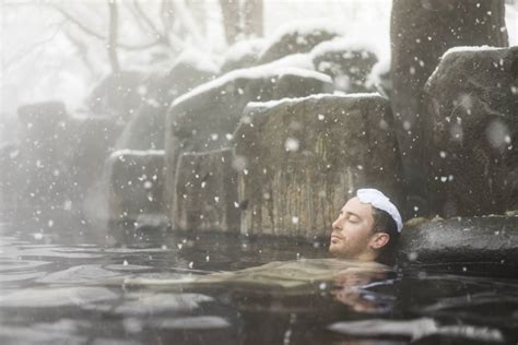 onsen allow tattoo japan tourism agency asks spa operators to accept tattooed