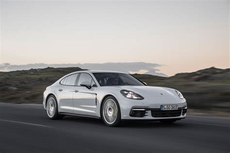 panorama porsche 2018 2018 porsche panamera shed weight find a innovative