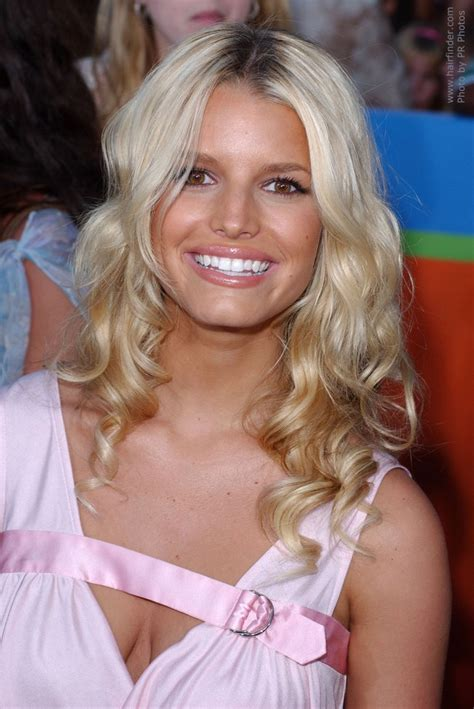 is jessica simpson a natural blonde jessica simpson naturally looking long hair with curls