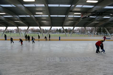 Backyard Rinks Toronto by 50 Things To Do This Winter In Toronto
