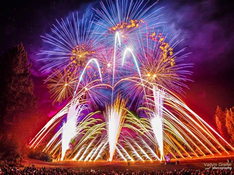 Butchart Gardens Fireworks by Saturday Fireworks At Butchart Gardens A Must See