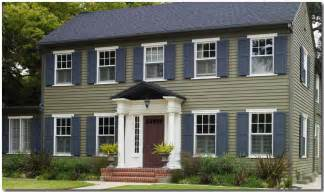 blue green exterior paint classic colonial paint color ideas house painting tips