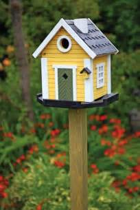 10 birdhouses to decorate your outdoor space this