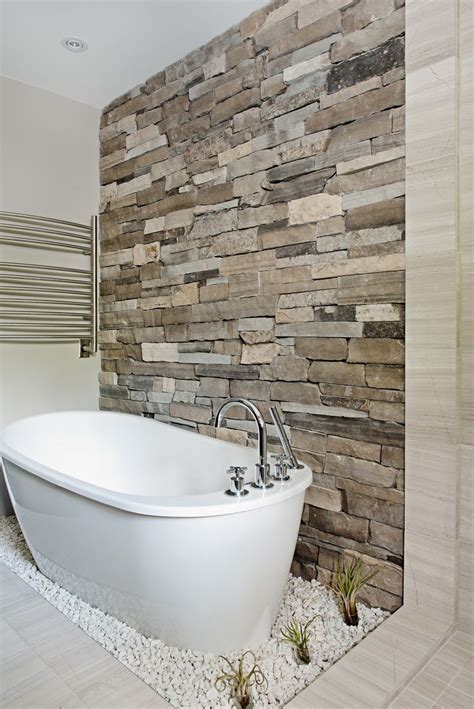 bathroom stone wall 25 best ideas about natural stone bathroom on pinterest