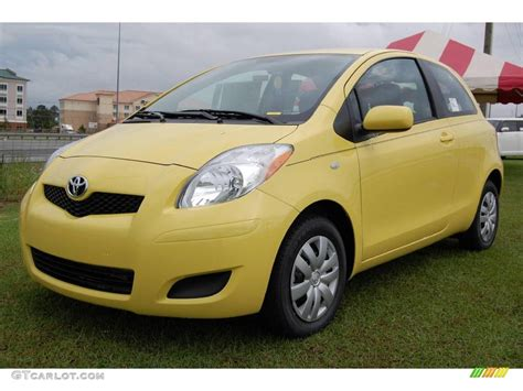 yellow toyota 2009 yellow jolt toyota yaris 3 door liftback 6646937