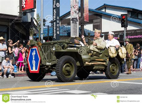 Jeep Downtown La Jeep With World War Ii Veterans In The 73th Annual Nisei