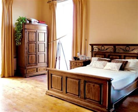 Wooden Bed Designs Pictures Interior Design by Tips To Decorate And Maintain Bedroom Wood