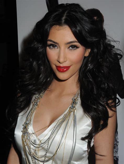 Hairstyles For Long Hair Kim Kardashian | kim kardashian long sexy hairstyles for 2012 sheplanet