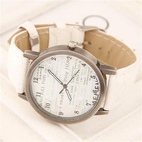 Fashion Wrist Watches White vintage fashion characters design wrist white