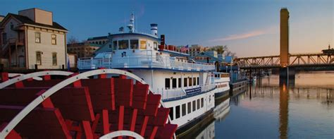 sacramento river boat hotel 301 moved permanently