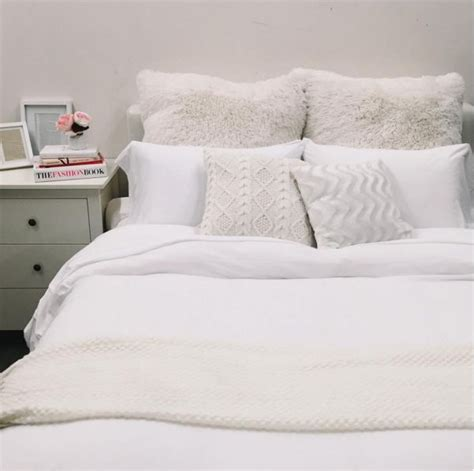 Decorative Frames We Love The All White Bedroom Look Do You Sophie