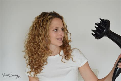 Drying Curly Hair Wavy how to curly hair using a diffuser justcurly