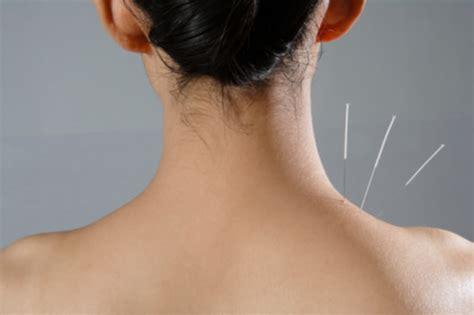 dolori forti alla testa rimedi naturali contro il mal di testa