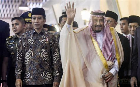 Baju Pengakap Raja gubernur bali kenakan baju adat sambut raja salman okezone news