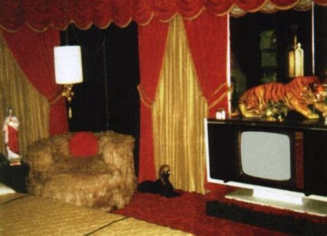 inside elvis bedroom 17 best ideas about graceland elvis on pinterest