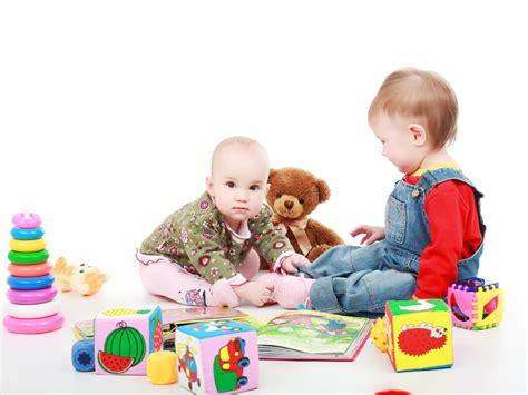 imagenes de niños jugando en verano dos idiomas en casa mi beb 233 y yo