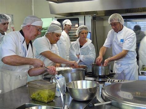 mat駻iel de cuisine collective la cuisine alternative fait des 233 mules 224 b 232 gles gironde