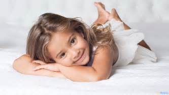 Very cute little baby girl hd wallpapers very cute little baby girl
