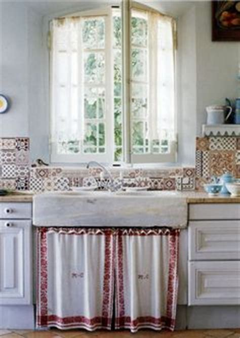 under sink curtain kitchen 1000 images about curtain under kitchen sink on pinterest