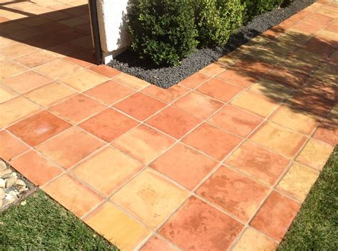 piastrelle per esterno antiscivolo mattonelle antiscivolo pavimenti per esterni
