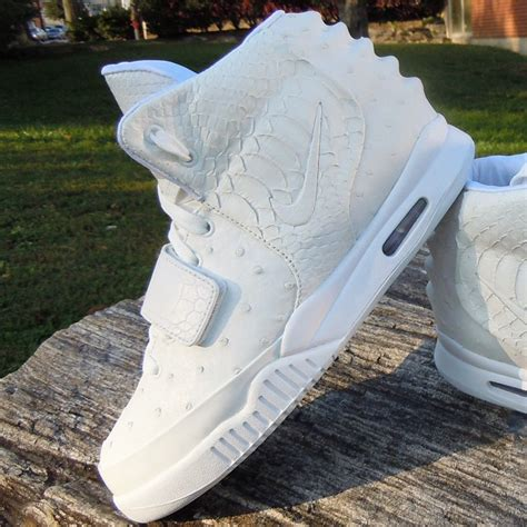 Imagenes Nike Yeezy | shane victorino s nike air yeezy 2 quot white ostrich quot custom