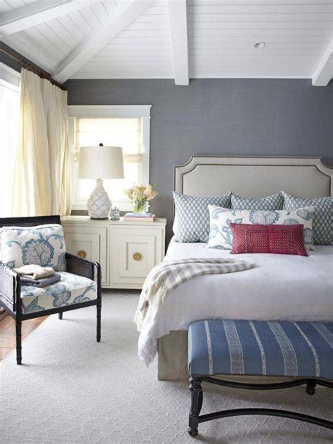 peinture bleu chambre chambre bleu et gris id 233 es d 233 co en tons neutres et froids