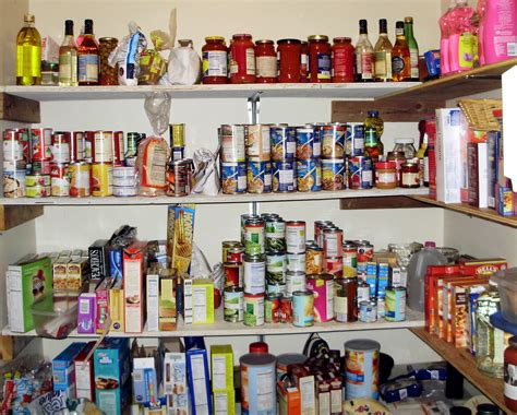 Prepper Pantry by Homesteaders Vs Preppers What S The Difference Prepper