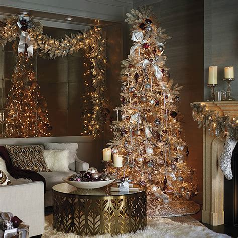 christmas decorations home 11 christmas home decorating styles 70 pics decoholic