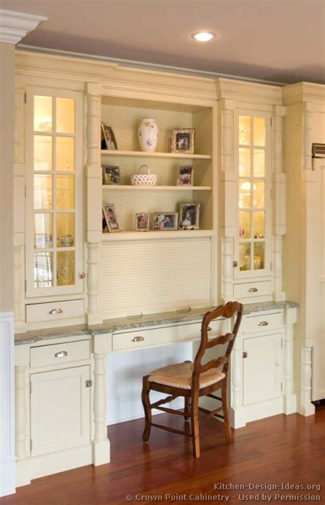 Desk In Kitchen Design Ideas Pictures Of Kitchens Traditional White Antique Kitchens Kitchen 74