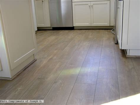 Laminate Flooring In Basement Cozy Cottage Laminate Flooring Sles For The Basement Reclaime Laminate In The Mocha