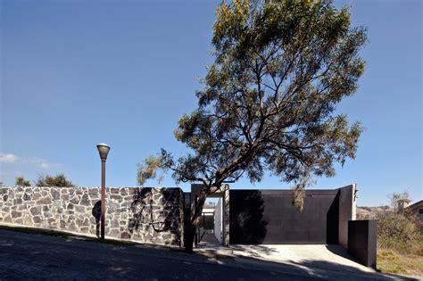 design milk mexico city unassuming facade hides large modern house design milk