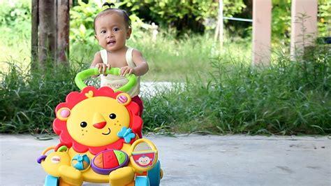 Fisher Price Musical Baby Walker Alat Belajar Jalan Bayi Mainan 25 unboxing mainan anak bayi lucu belajar jalan musical