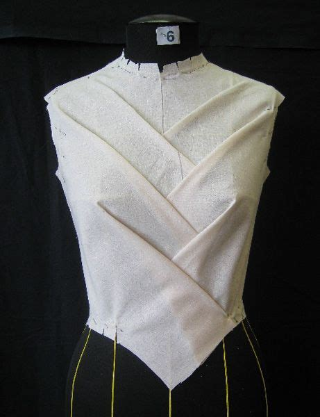 pattern draping draping on the stand bodice development moulage