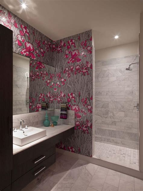 wallpaper for bathrooms ideas papier peint salle de bain offrant la possibilit 233 de