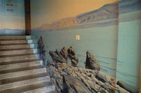 wall painting tips amazing painting ideas for staircase wall decoration with