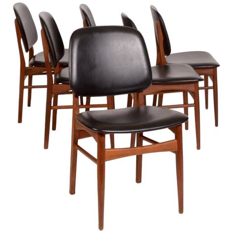 Arne Vodder Dining Chairs Set Of Six Arne Vodder Style Modern Dining Chairs In Teak For Sale At 1stdibs