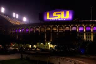 lsu lights lsu tiger stadium gets flashy new lighting system photo
