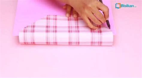 tutorial membuat bungkus kado bentuk tas cara membungkus kado bentuk tas