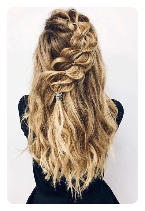 casual hairstyles for graduation 82 graduation hairstyles that you can rock this year