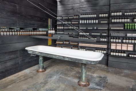 Rapid Detox Portland Oregon by Aesop黑色风格化妆品店设计 米尚丽店装网 零售设计网 专注于零售空间设计案例分享