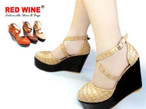 Sepatu Merk Wine dinomarket pasardino sepatu wanita redwine n8300 3