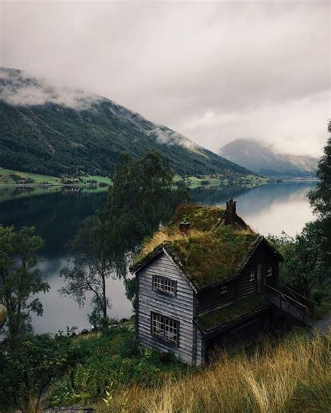 incredible isolated homes  natural getaways home
