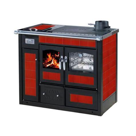 rivestimenti forni a legna termocucina a legna klover altea con forno rivestimento