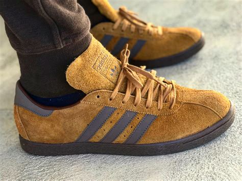 Adidas Tobacco adidas tobacco can t believe i found them amazing texture and color sneakers