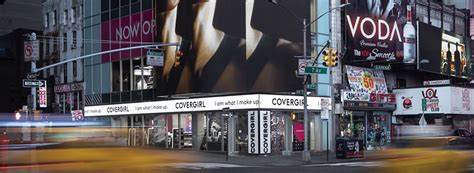 covergirl times square flagship store  shopfitting