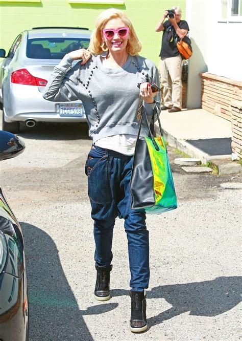 Style Gwens by Gwen Stefani This Week S Style Icon Crossroads