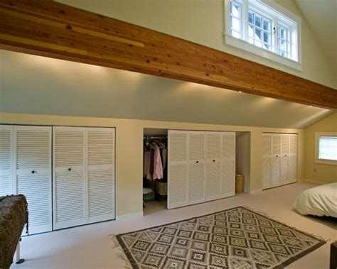 Knee Wall Closet Ideas by 1000 Ideas About Knee Walls On Attic Spaces