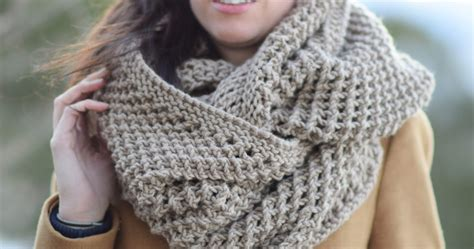 knit a scarf the traveler knit infinicowl scarf pattern in a stitch
