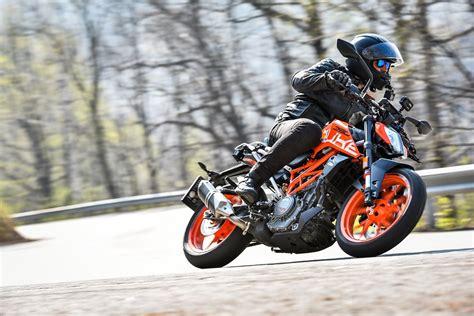 Ktm 390 Reviews 2017 Ktm 390 Duke Ride Review Revzilla