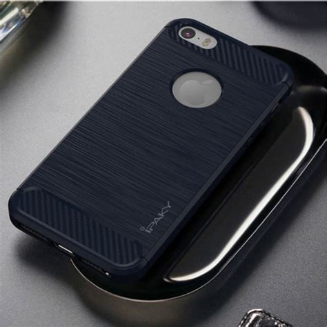 Ipaky For Iphone 5 5s Se ipaky borstat skal i kolfiber design till iphone 5 5s se